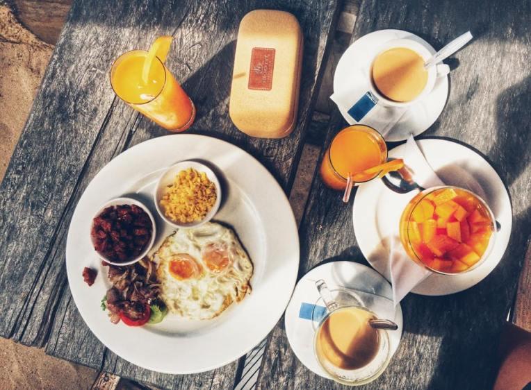 Mic dejun la restaurant Kaz Kreole, insula Mahe