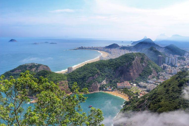 Priveliste catre Praia Vermelha si Copacabana