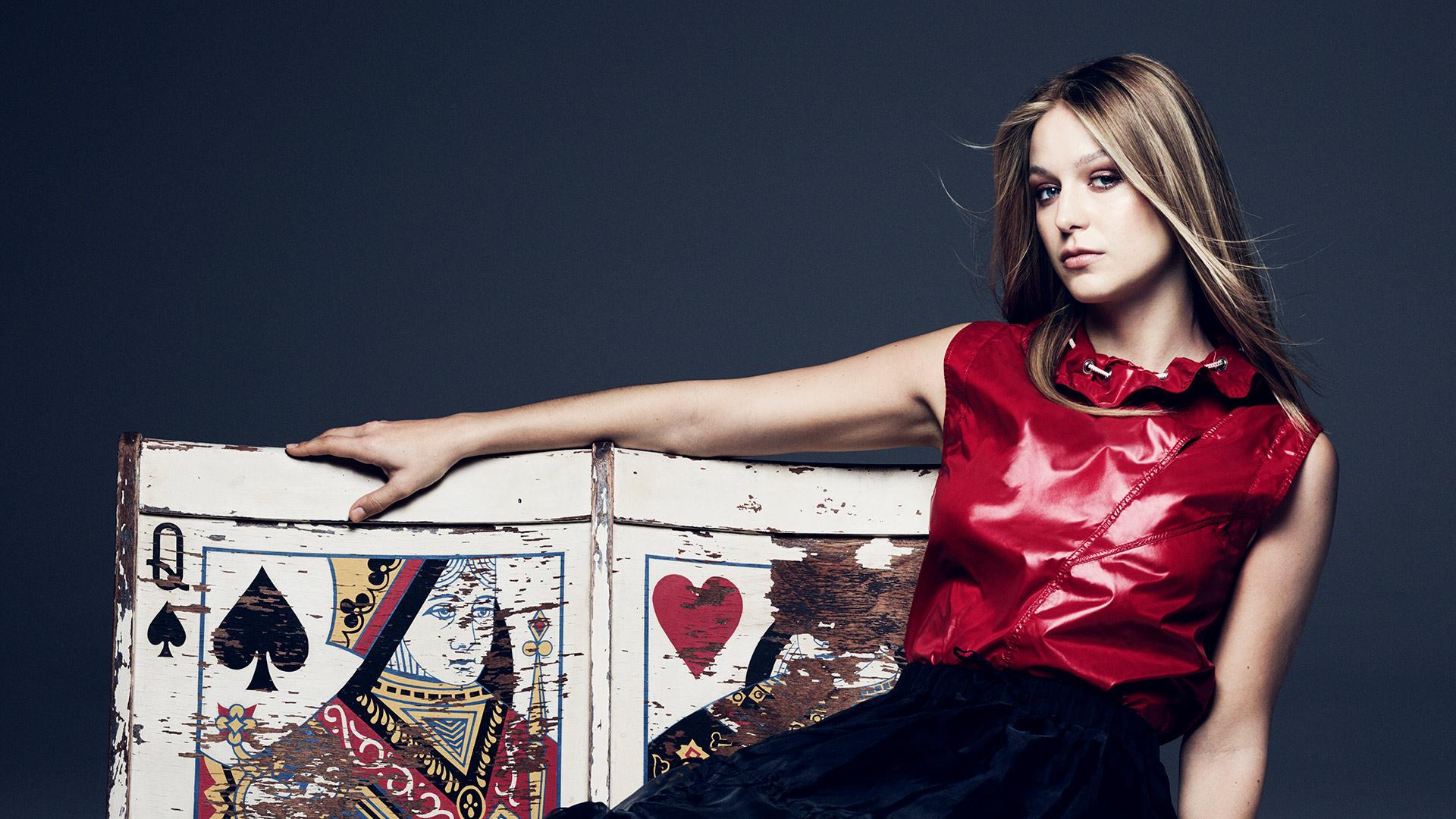 21 Beautiful Fashion Photos Of Supergirl Star Melissa Benoist Watch Magazine Photos Cbs Com