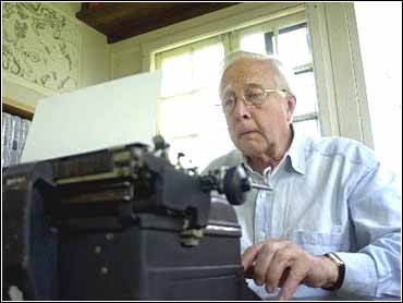 Historian David McCullough at his typewriter, circa 2002 (AP photo)