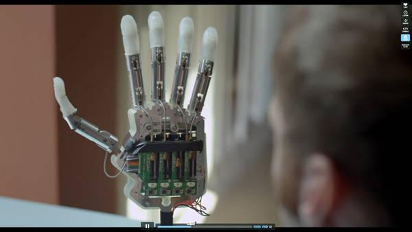 La mano bionica realizzata nella Scuola Superiore Sant'Anna di Pisa (fonte: Scuola Superiore Sant'Anna)
