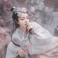 #漢服 #Hanfu | 摄影师小欣欣-  Photographer Shinsengumi – An Elegant Hanfu dress with a pink spring blossom look - A Gallery