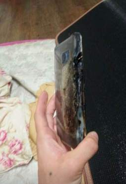 Galaxy-Note-7-explodes-2