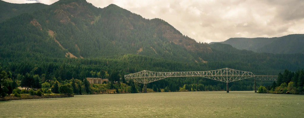 Travel Tuesday: Columbia Gorge