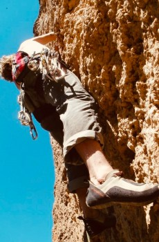 Need comfortable climbing shoes for your next climbing outing? We've got you covered with a full range of kids' and adult sizes of modern climbing shoes.