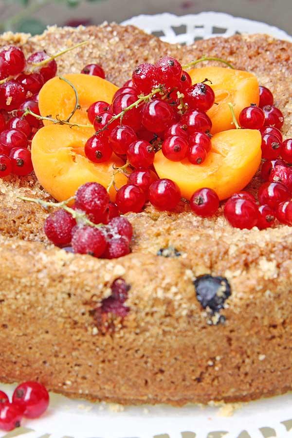 ucierane ciasto owocowe
