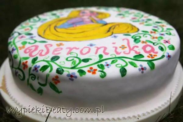 Tort roszpunka malowany na masie