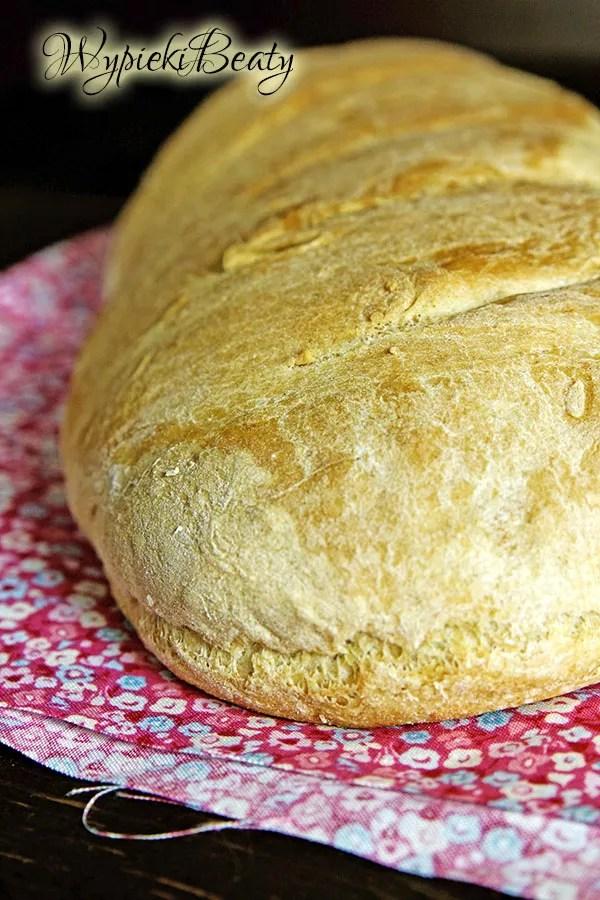 prosty domowy chleb pszenny