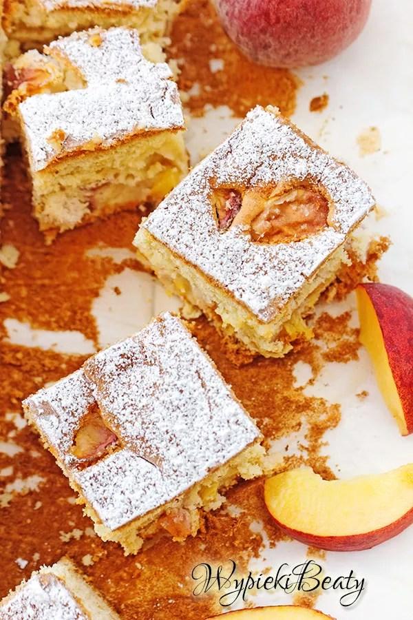 puszyste ciasto z brzoskwiniami_3