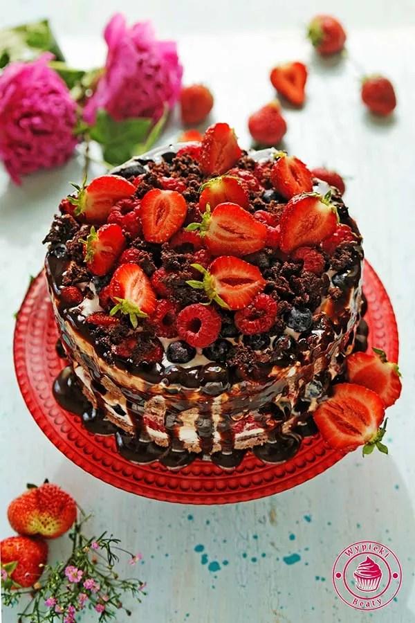 dietetyczne ciasto czekoladowe z owocami 1