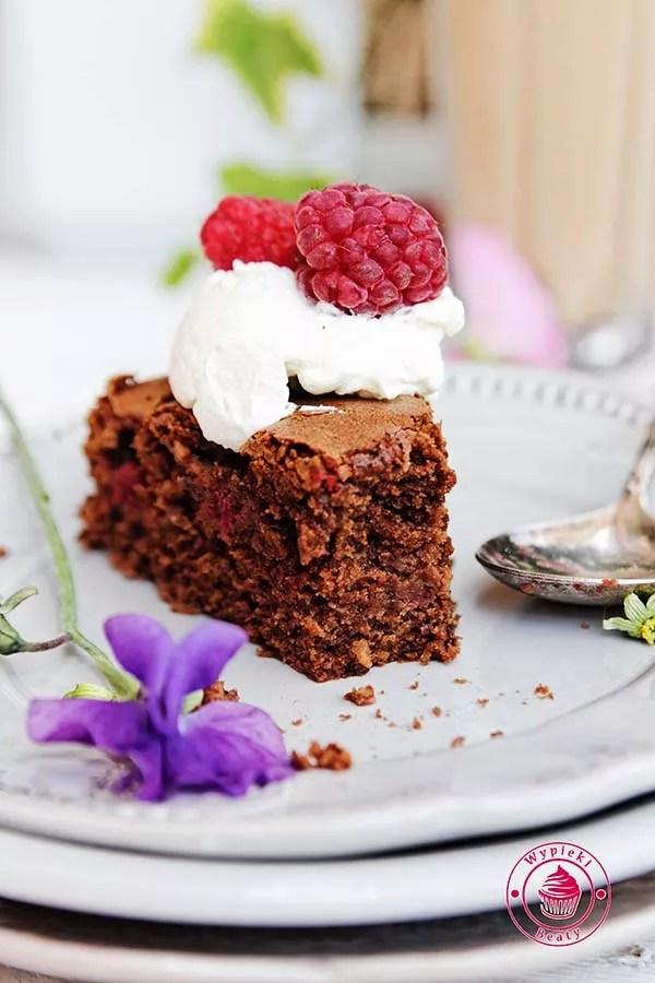 czekoladowe ciasto z malinami 10