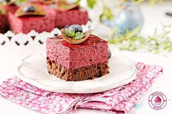 brownie z jagodowym musem 10