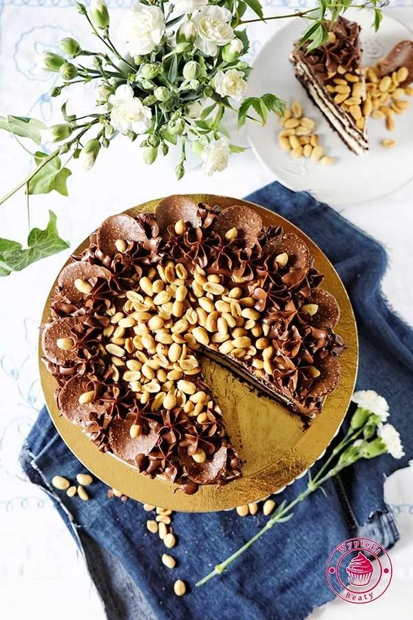 tort czekoladowy z orzechami ziemnymi 7