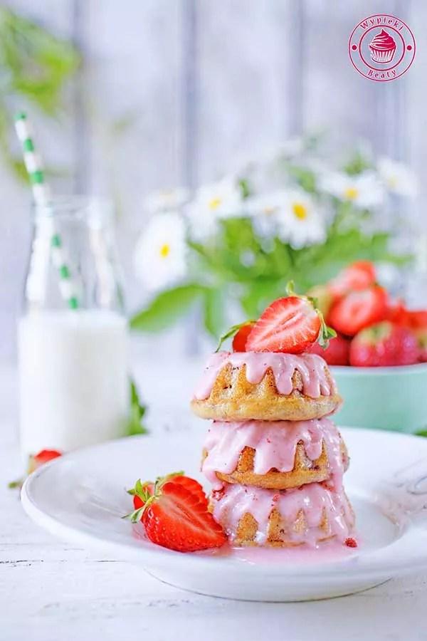 babeczki truskawkowe