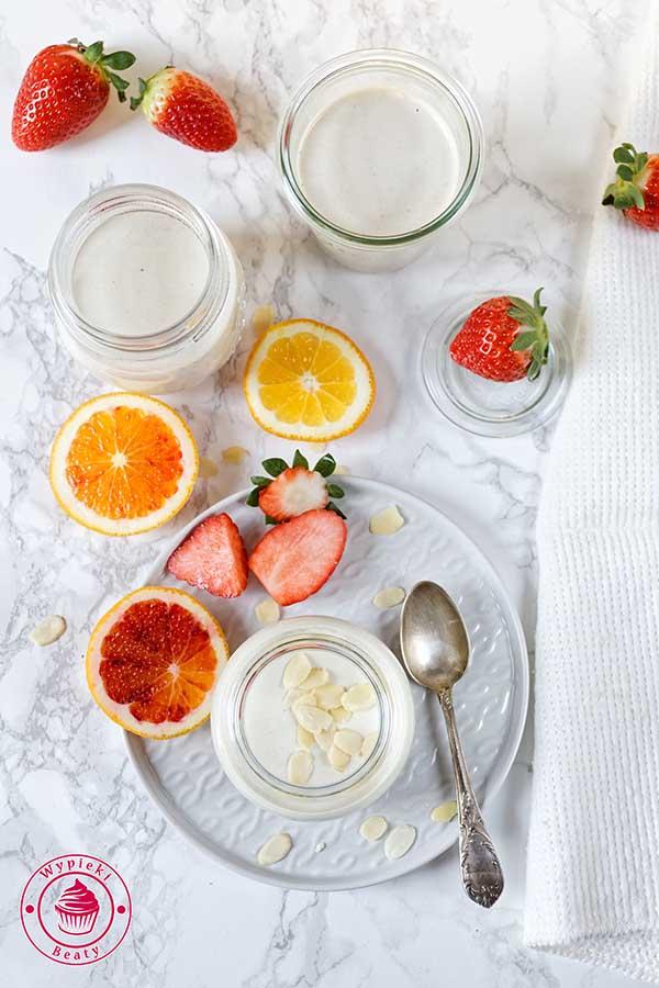 jogurt z daktylami