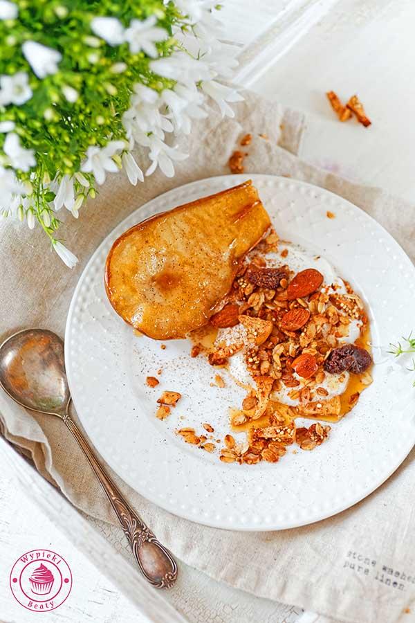 granola jabłkowa z quinoa