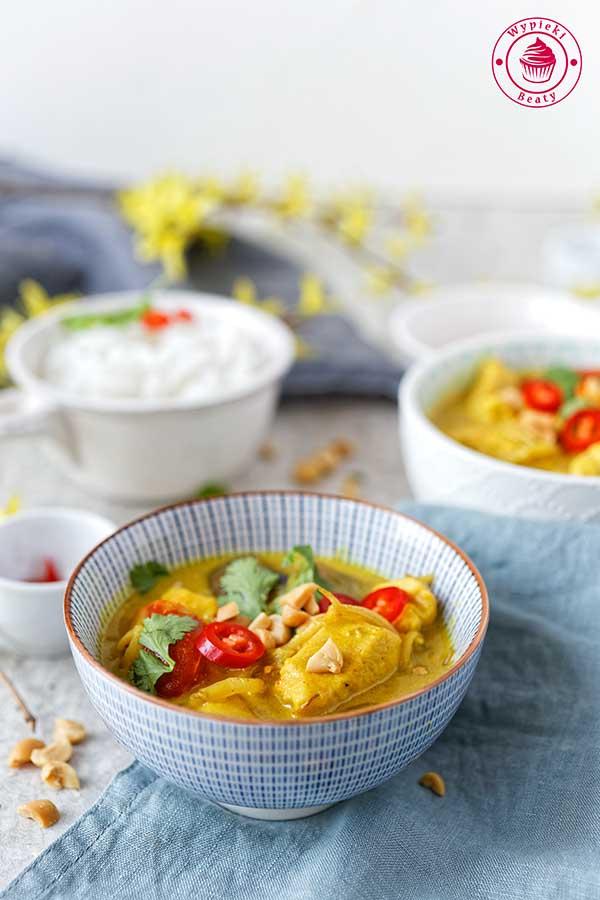 curry kokosowo-orzechowe z kurczakiem