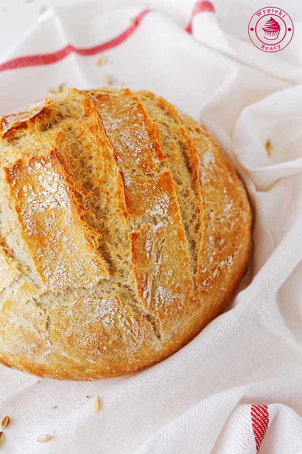 biały chleb na drożdżach