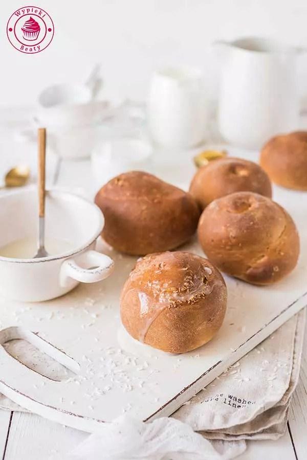 kokosowe bułeczki drożdżowe