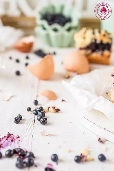 drożdżówka z jagodami i kruszonką