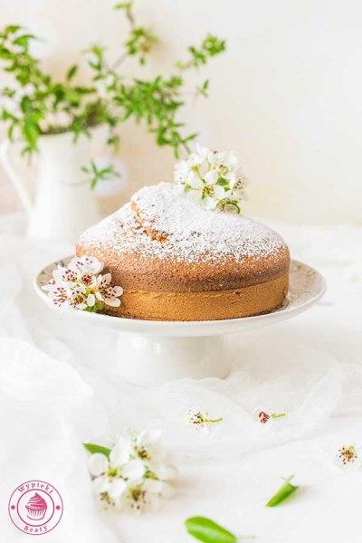 puszyste i wilgotne ciasto marchewkowe
