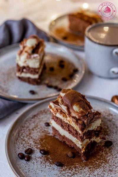 czekoladowe ciasto z polewą z mleka w proszku