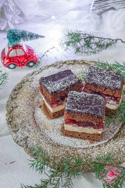 ciasto piernikowe z kremem kajmakowym