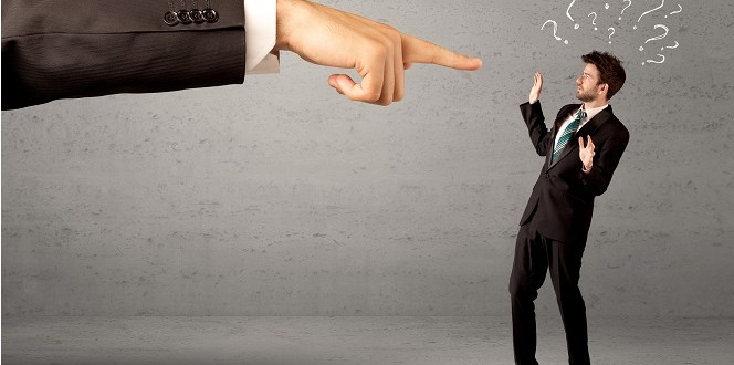 1.zwolnienie pracownika z przyczyn ekonomicznych