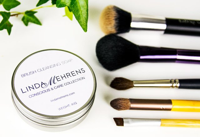 LINDA MEHRENS BRUSH CLEANSING SOAP