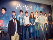 Celebrity pictures everywhere inside SPAO