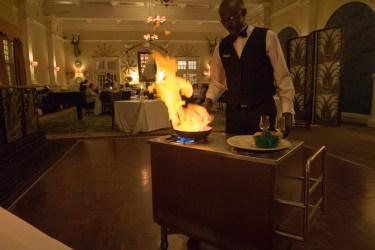 Victoria Falls Hotel (ビクトリアフォールズホテル) : ディナー Livingstone Room