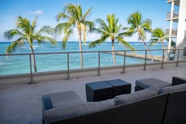Outrigger Reef Waikiki Beach Resort (アウトリガーリーフ) : Voyager 47 クラブラウンジ