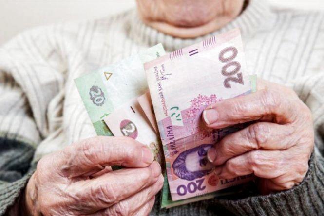 Шахраї обдурили пенсіонерку на 58 тисяч гривень