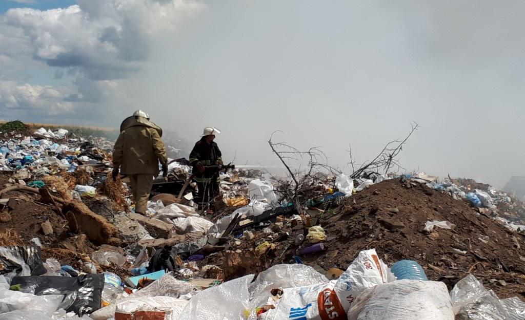 У Золочівському районі рятувальники гасили відразу дві великі пожежі