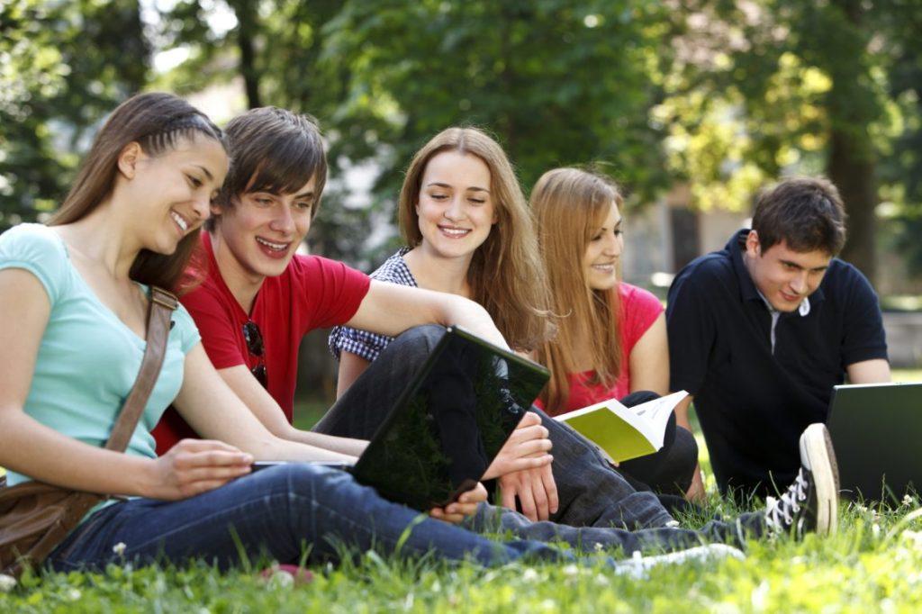 Найпопулярнішими факультетами цьогоріч стали право, філологія та фармація
