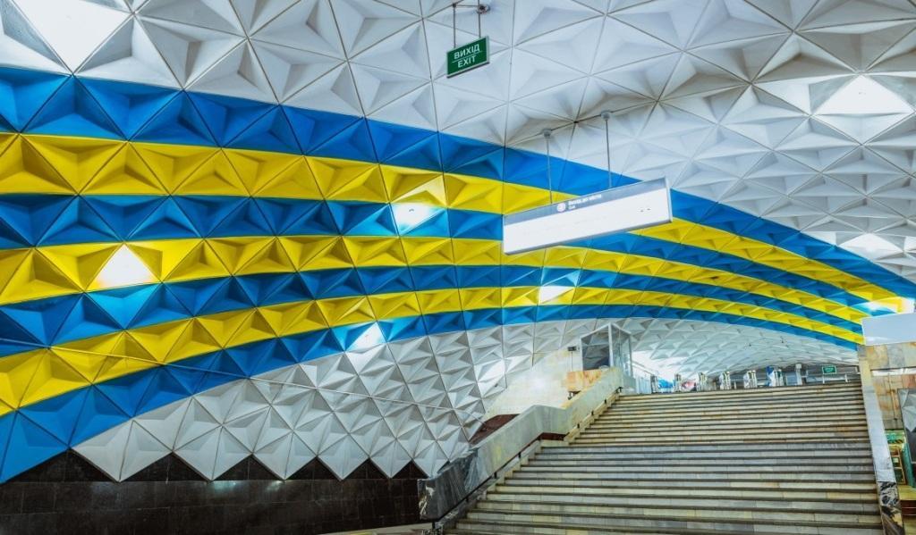 Півтори години не працювала станція метро «Спортивна». Шукали бомбу