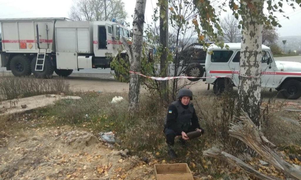 На Харківщині піротехніки розміновували застарілі снаряди