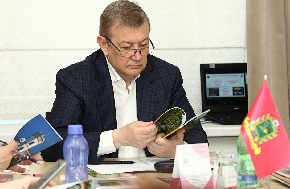 Сергій Чернов: Будівництво доріг до історико-культурних пам'яток регіону важливе для розвитку туристичної галузі
