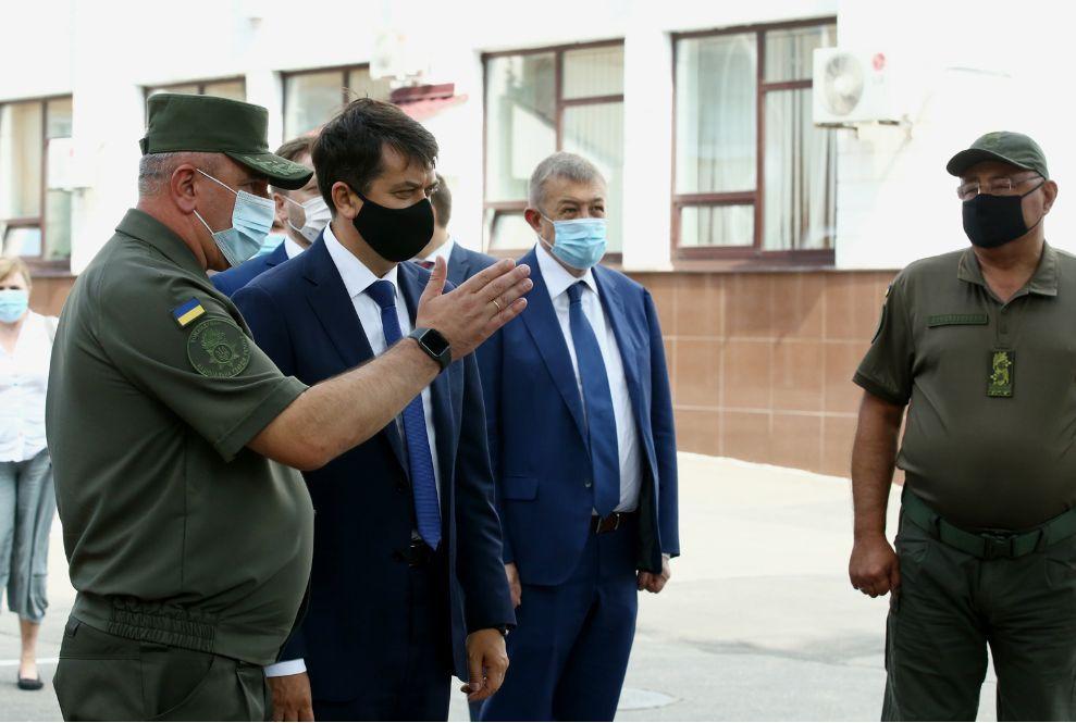 Парламентська делегація ознайомилась з умовами підготовки гвардійців