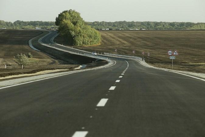 Відновлення дорожньої інфраструктури, на думку голови Харківської обласної ради, є ключовим завданням