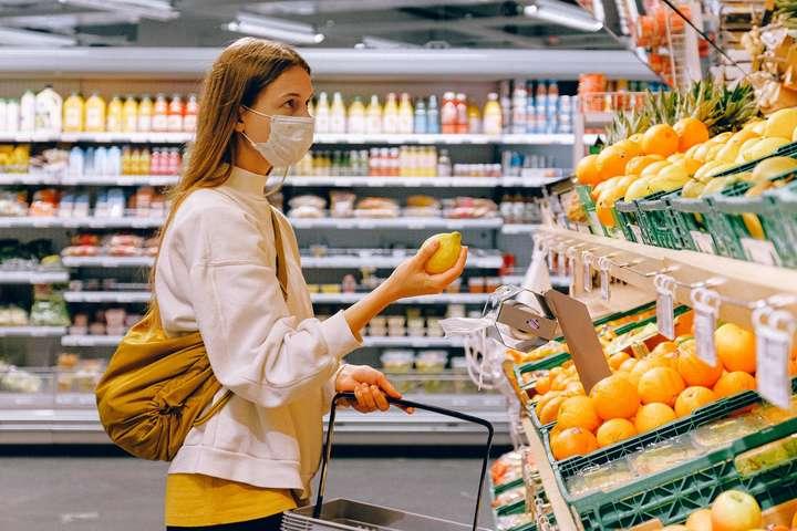 Ціни на продукти та безалкогольні напої за грудень зросли на 0,9%