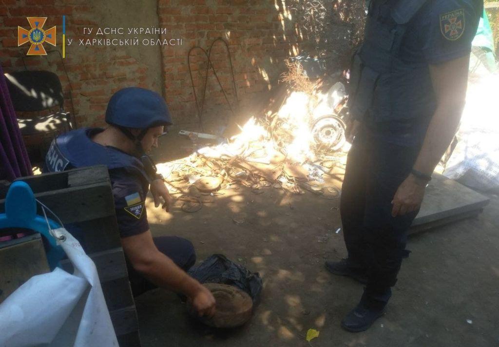У Харкові на пункт прийому вторсировини місцеві мешканці принесли міну