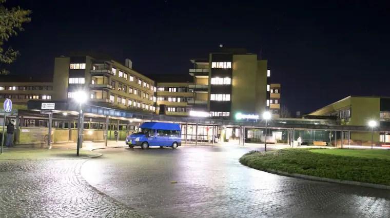 Den knivhuggna personen vårdas just nu på Norra Älvsborgs länssjukhus. Foto: Lennart Rehnman