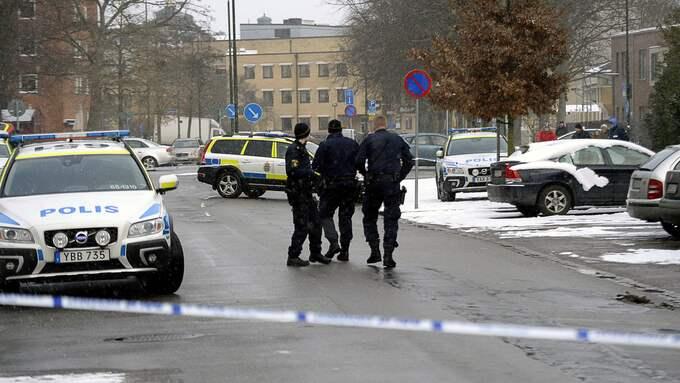 Polisen fick larmet om skottlossning kl 1.09 på onsdagen. Foto: FRITZ SCHIBLI