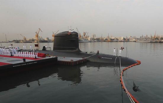 印度海軍鲉魚級潛艇服役現場畫面