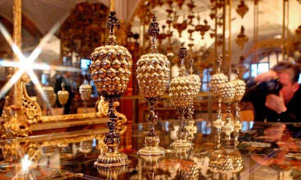 德國皇家宮殿珍寶館失竊 價值10億歐元文物被盜(組圖)