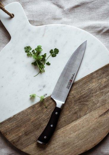 cuchillo-tabla-madera