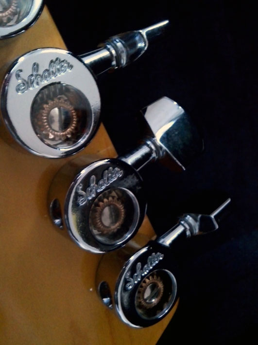 Stratocaster by Xabina Larralde lutherie_9