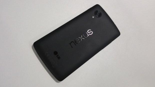 Nexus_5_back-1024x576