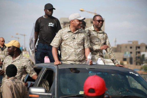 Pluie de pierres sur Youssou Ndour et Mame Mbaye Niang — Grand Yoff